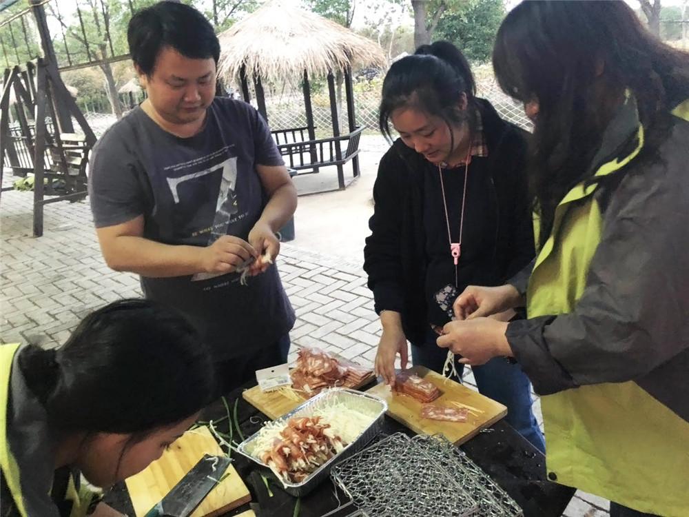 2018年烧烤团建活动